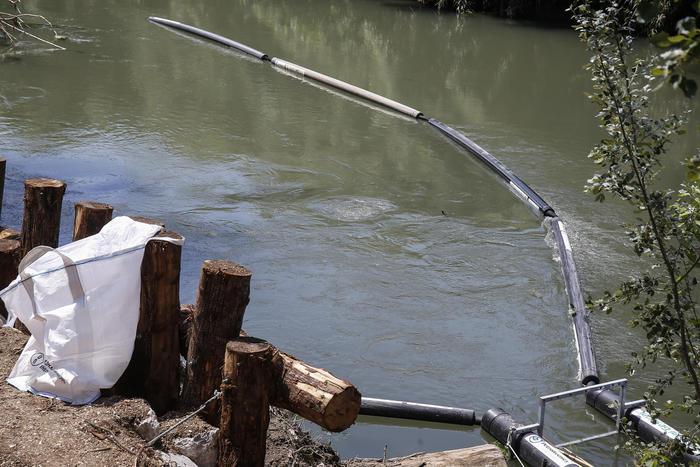 Inaugurata sul fiume Aniene una «barriera acchiappa-rifiuti». È la seconda nel Lazio