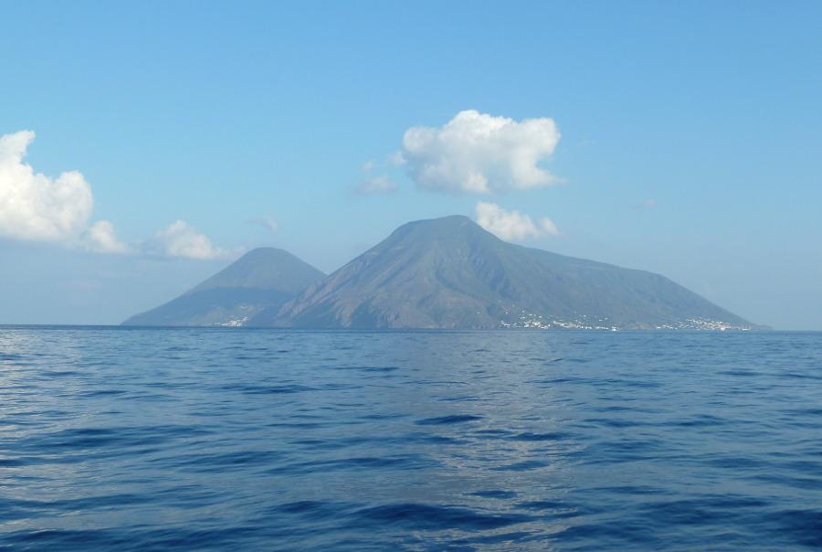 """Marevivo lancia il """"Premio Sole, Vento e Mare: energia rinnovabile e paesaggio per le Isole Minori e le Aree Marine Protette"""""""