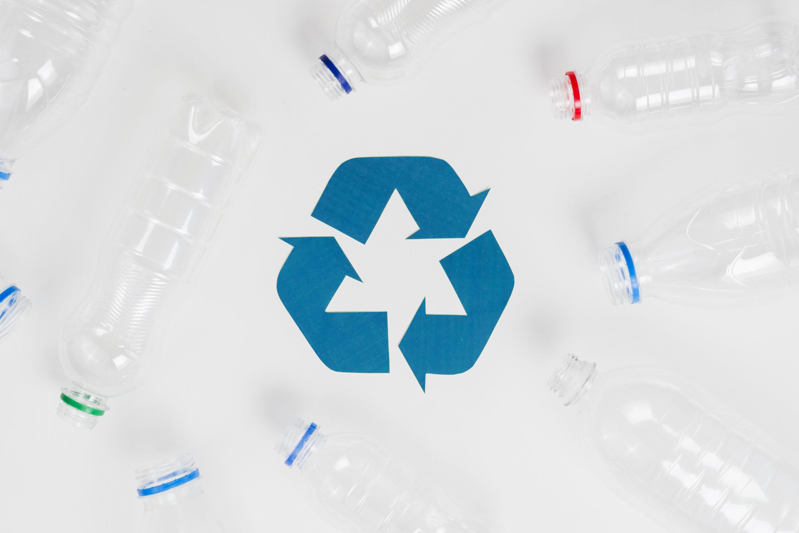 Diventa legge l'emendamento che permette la produzione di bottiglie al 100% da plastica riciclata