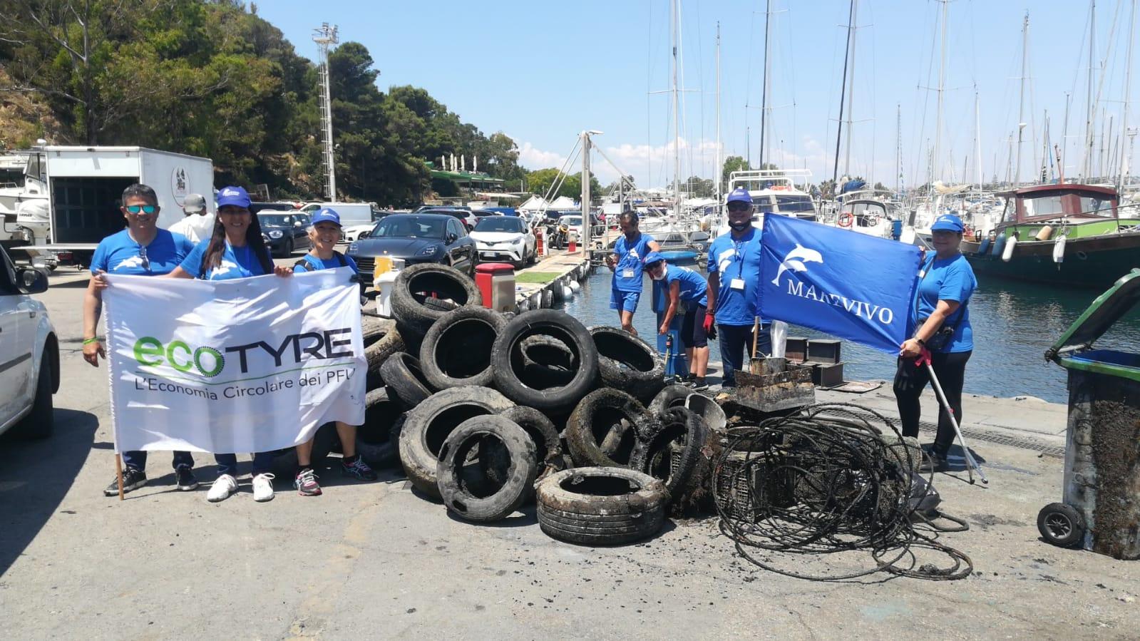 Abbiamo recuperato 2000 chili di pneumatici abbandonati a Cagliari