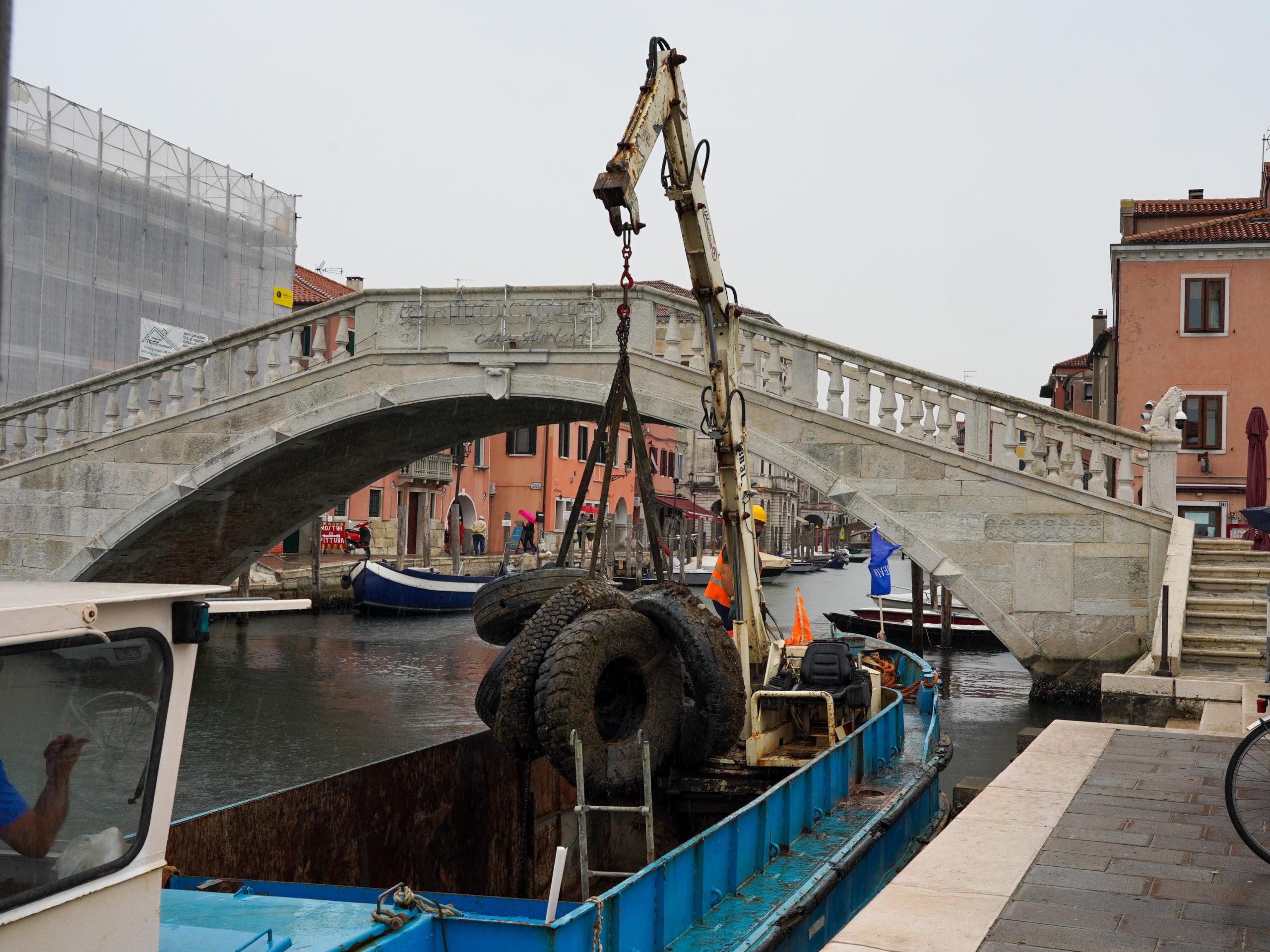 Chioggia: raccolti in mare circa 2.500 kg di Pneumatici Fuori Uso