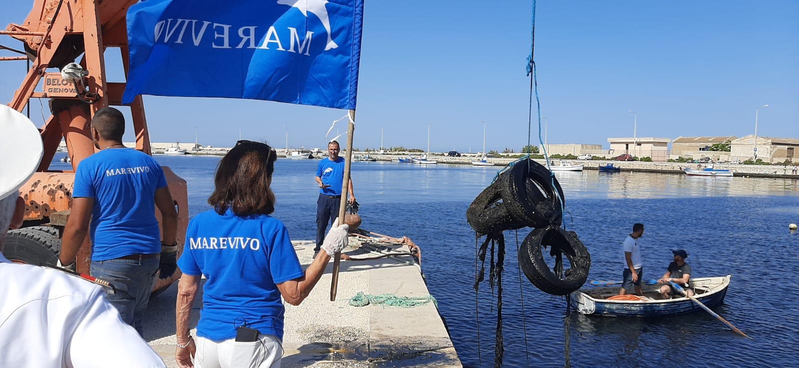 A Marsala abbiamo recuperato 2500 chili di pneumatici fuori uso dall'ambiente