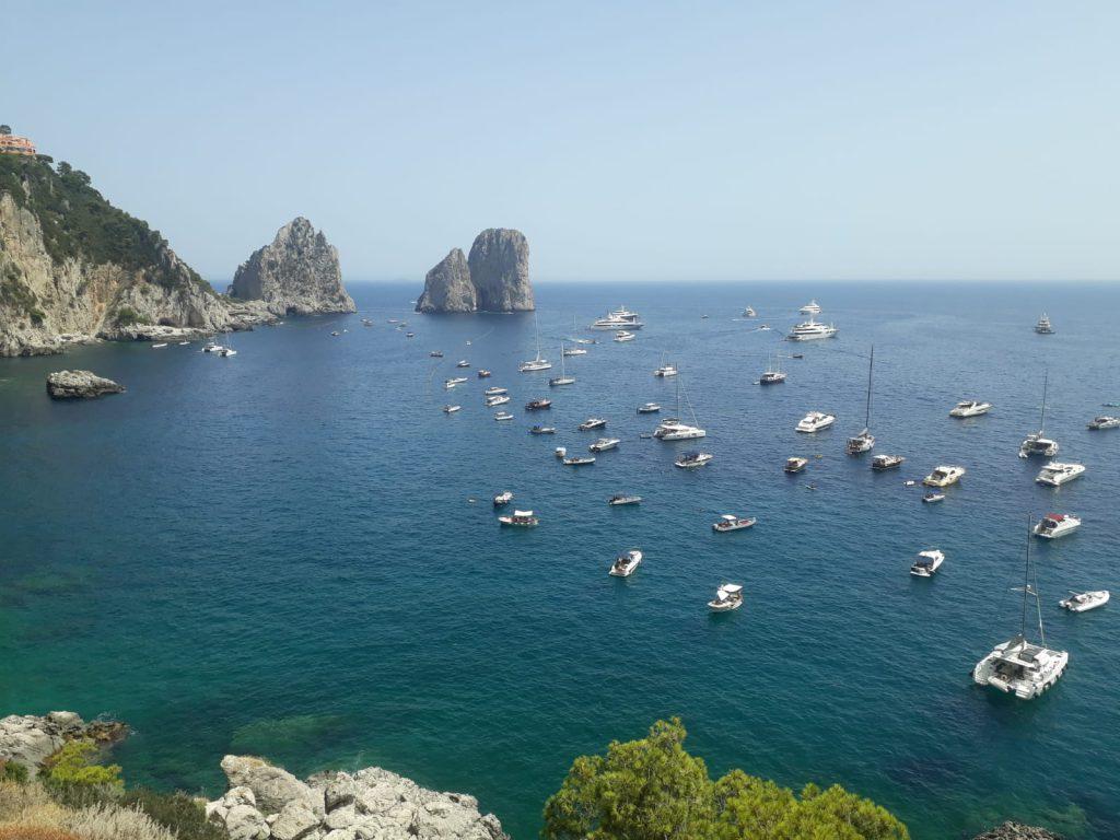 Capri, la prima estate con le boe a tutela del mare